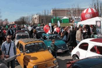 """175 Fiat 500 ad Alba per il raduno """"60 anni in 500 - XI edizione"""""""