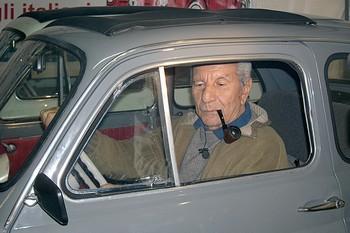 Il saluto del Fiat 500 Club Italia al giornalista Alfredo Pigna