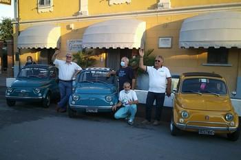 Festeggiando la 500 storica presso il Punto Amico Gianna di Recorfano