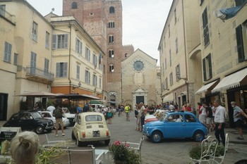 Il Fiat 500 World Wide Meeting ad Albenga e Laigueglia (SV)