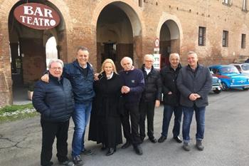Le 500 a Gualtieri nel segno di Ligabue