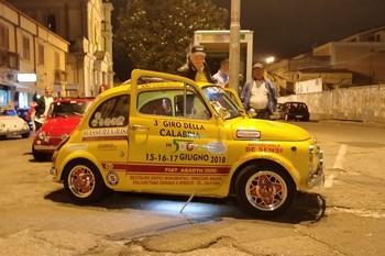 Notte bianca vibonese con le Fiat 500