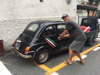 Tom Hanks - Eccitato per la mia nuova auto! Una 500 storica